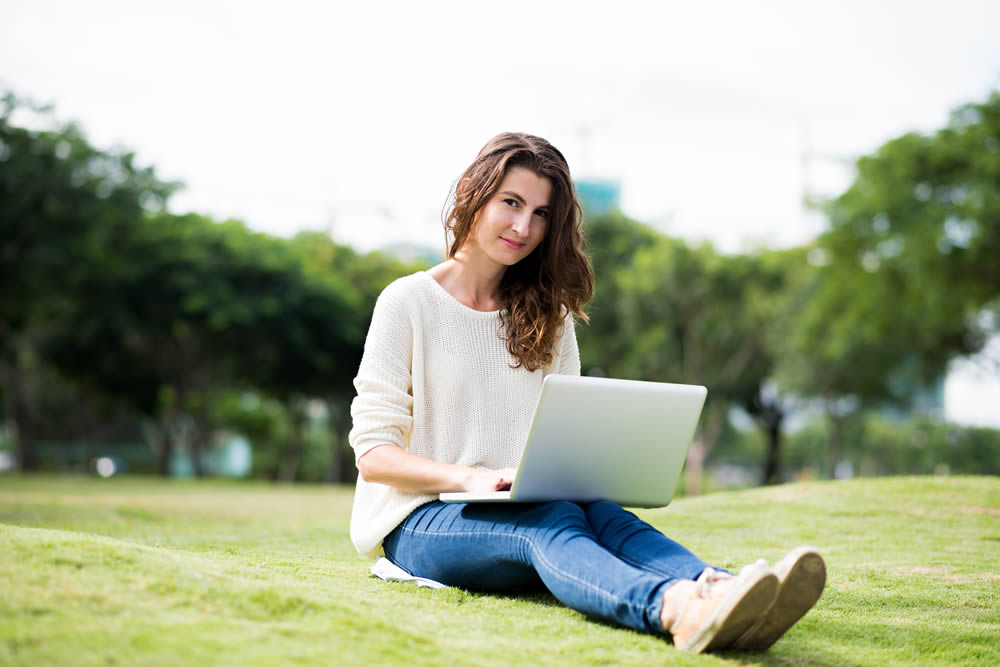 Blogging can be done from anywhere - even on holiday | 40plusentrepreneur.com